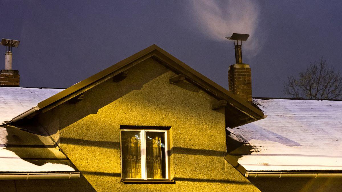 Lokální topeniště jsou jedním z hlavních zdrojů znečištění ovzduší