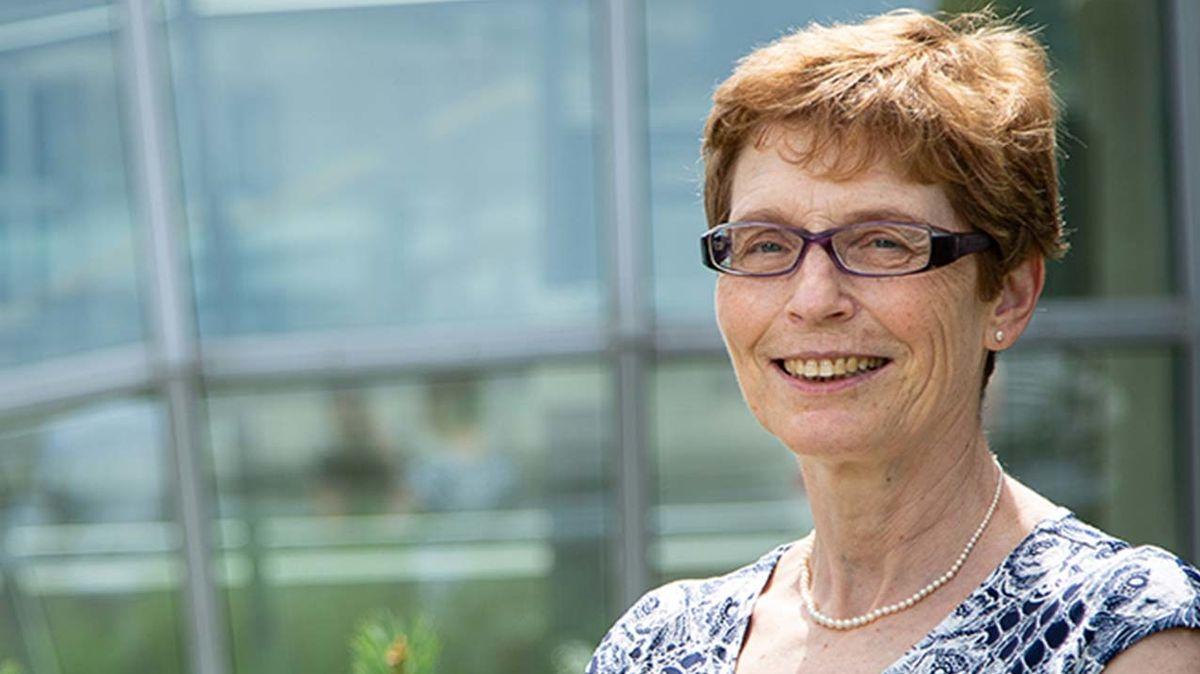 Spolu s profesorem Thornem budou o vítězích rozhodovat další mezinárodně uznávaní vědci. Mezi nimi v porotě zasedne i česká vědkyně v oboru chemie Hana Dvořáková.