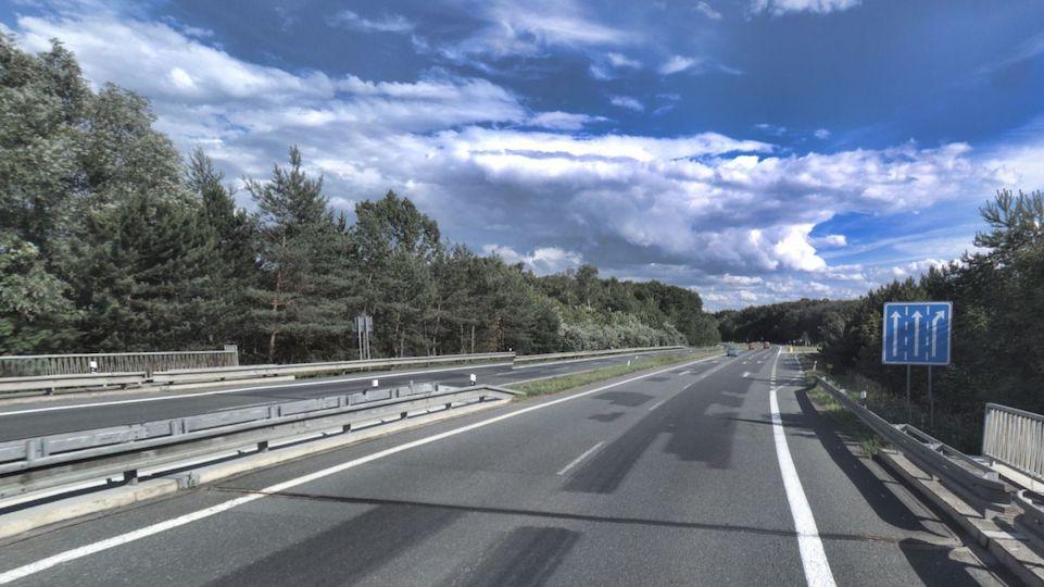 Silnice I/38 mezi Poděbrady a obcí Oseček na Nymbursku