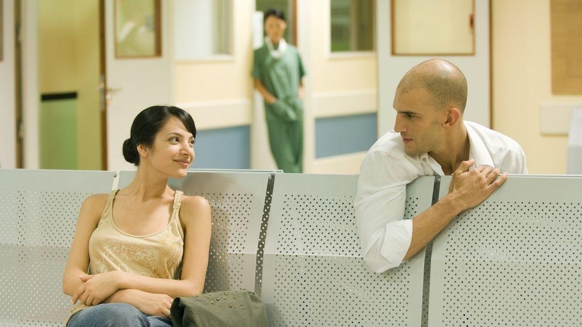 Nebojte se při konverzaci s cizími lidmi otevírat hlubší témata