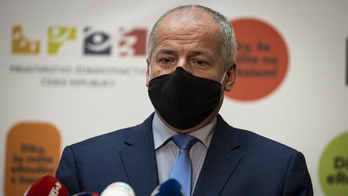 Česko bude všem už jen pro smích, říká politolog