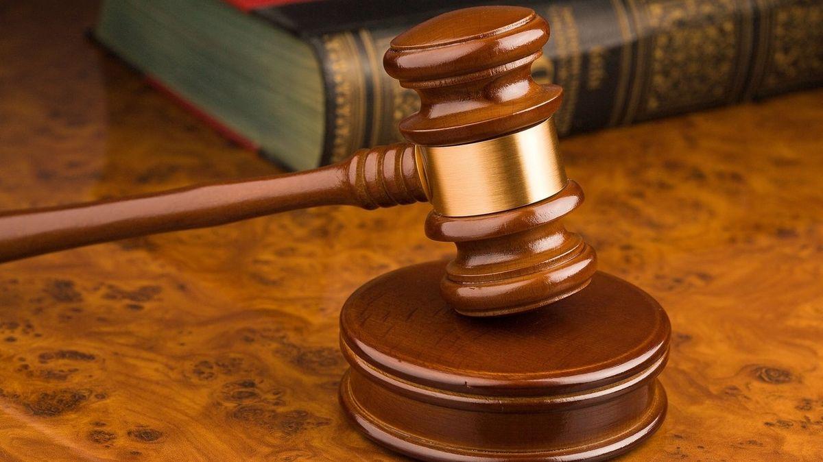 Šest lékařů odsouzeno za úplatky. Předepisovali léky podle přání distributorů
