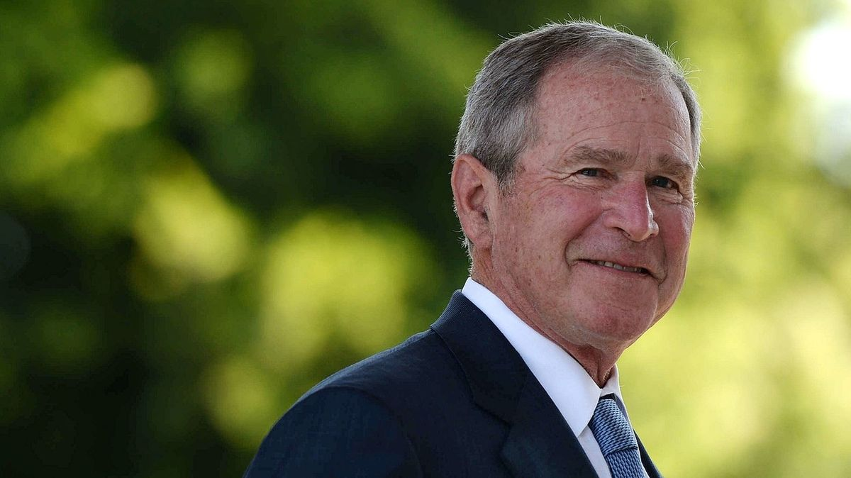 Takhle se zpochybňují volby v banánové republice, řekl exprezident Bush