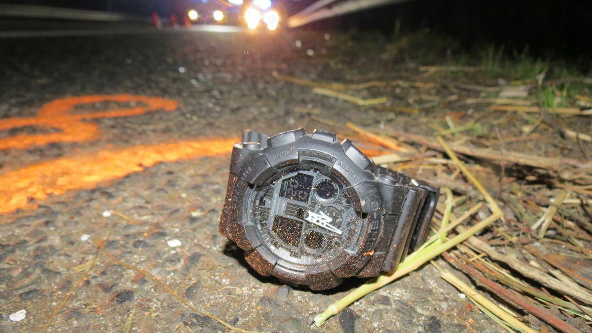 Řidič v noci přejel mladíka v tmavém oblečení, ten na místě zemřel