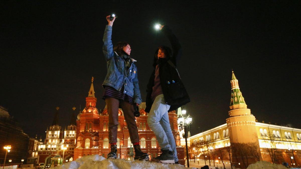 V Rusku vzplála světla na znamení protestů