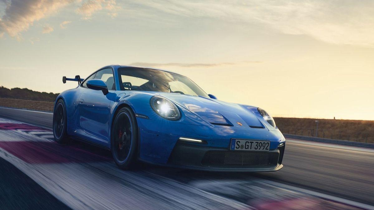 Porsche konečně představilo 911 GT3, bez turba a s manuálem
