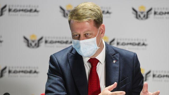 Prouza: Ministři by neměli vyhrožovat, kompenzační bonus může fungovat i bez nouzového stavu