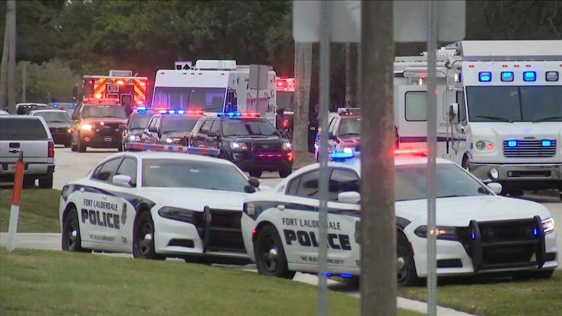 Při přestřelce na Floridě zemřeli dva agenti FBI