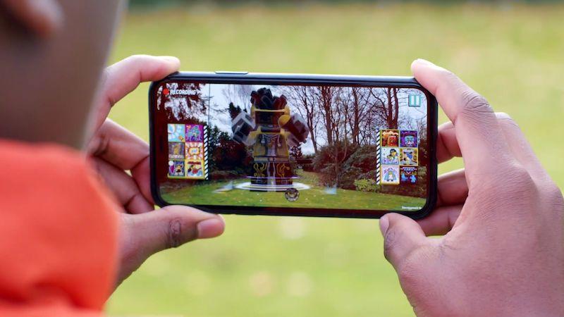 Hračky spoléhají na mobily stále častěji, propojují virtuální svět se skutečným