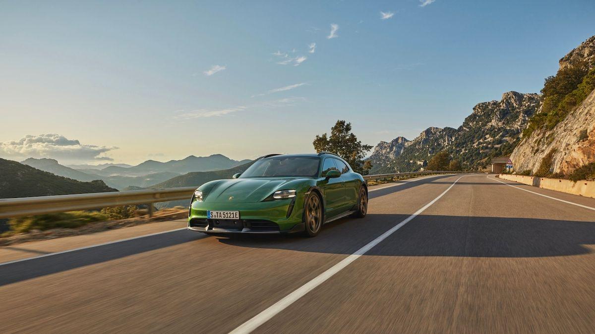 Co dál s taycanem? Porsche uvažuje o elektrickém kupé či kabrioletu