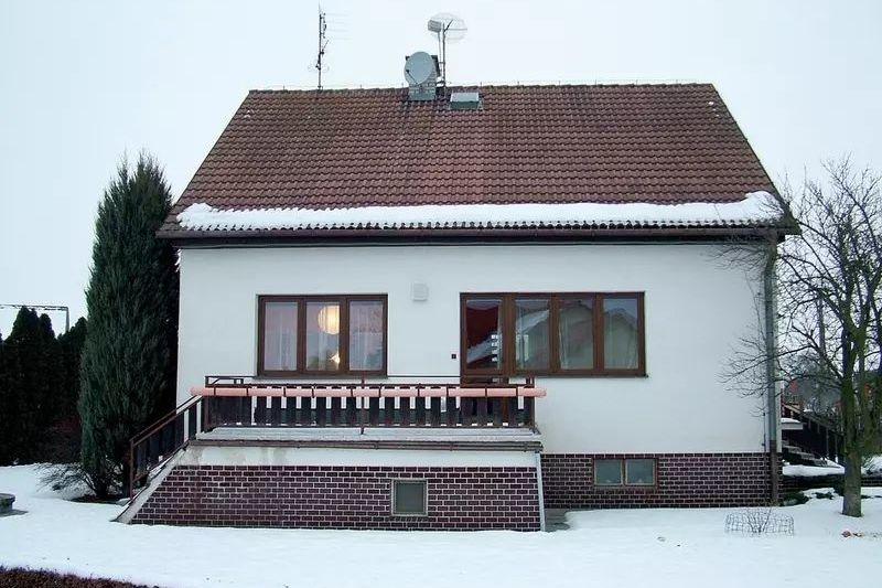 Zdánlivě nenápadný rodinný dům. Jeho nemoc odhalí až termovizní snímek.