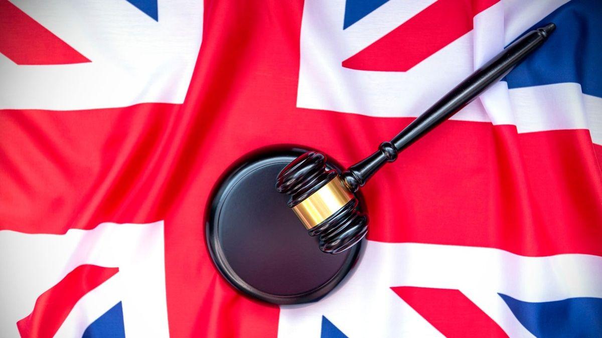Britský soud nařídil vrátit občanství třem lidem, kteří odešli do IS. Mohou se vrátit