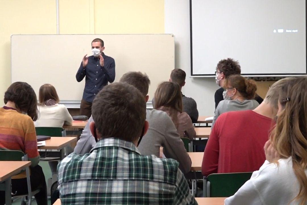 anketa s řediteli a studenty o maturitách