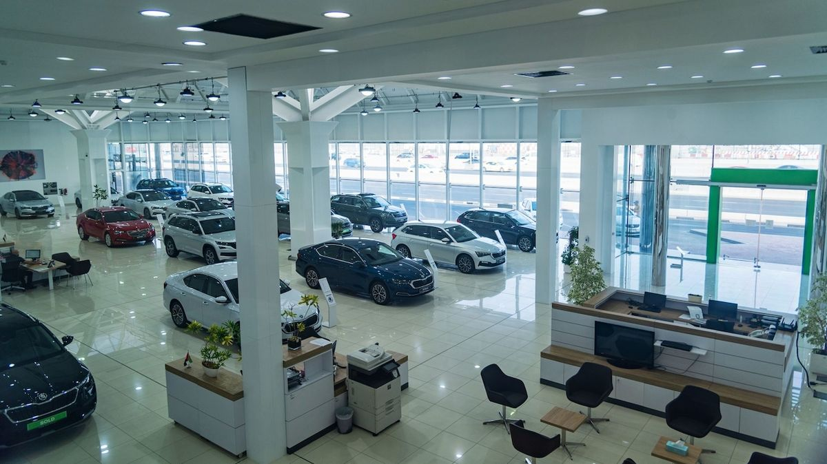 Škoda má v Dubaji svůj největší showroom na světě