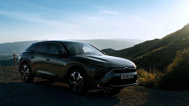 Citroën představuje C5 nové generace, míchá několik segmentů