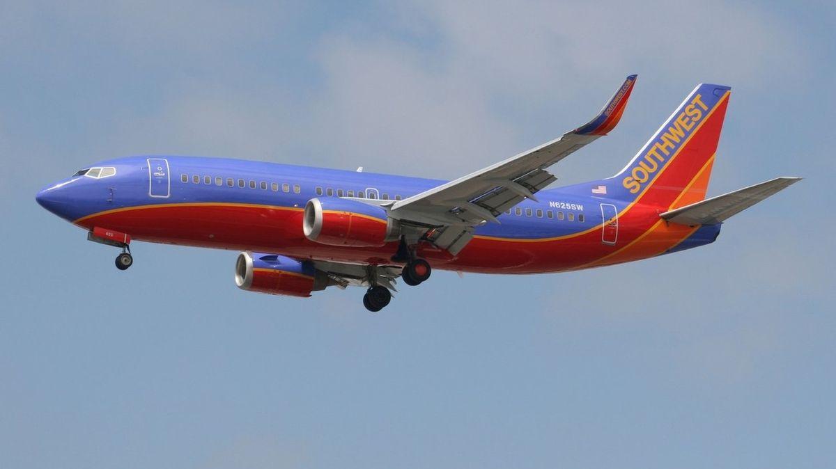 Rodinu nepustili do letadla kvůli autistickému synovi. Nezvládl mít roušku