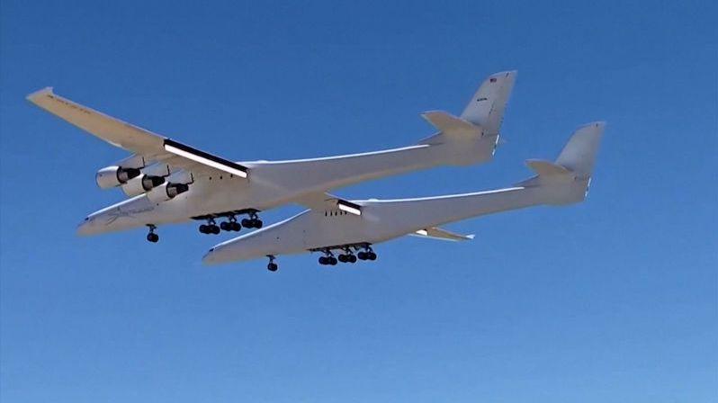 Nejširší letadlo na světě, které bude vozit rakety do kosmu, absolvovalo další let