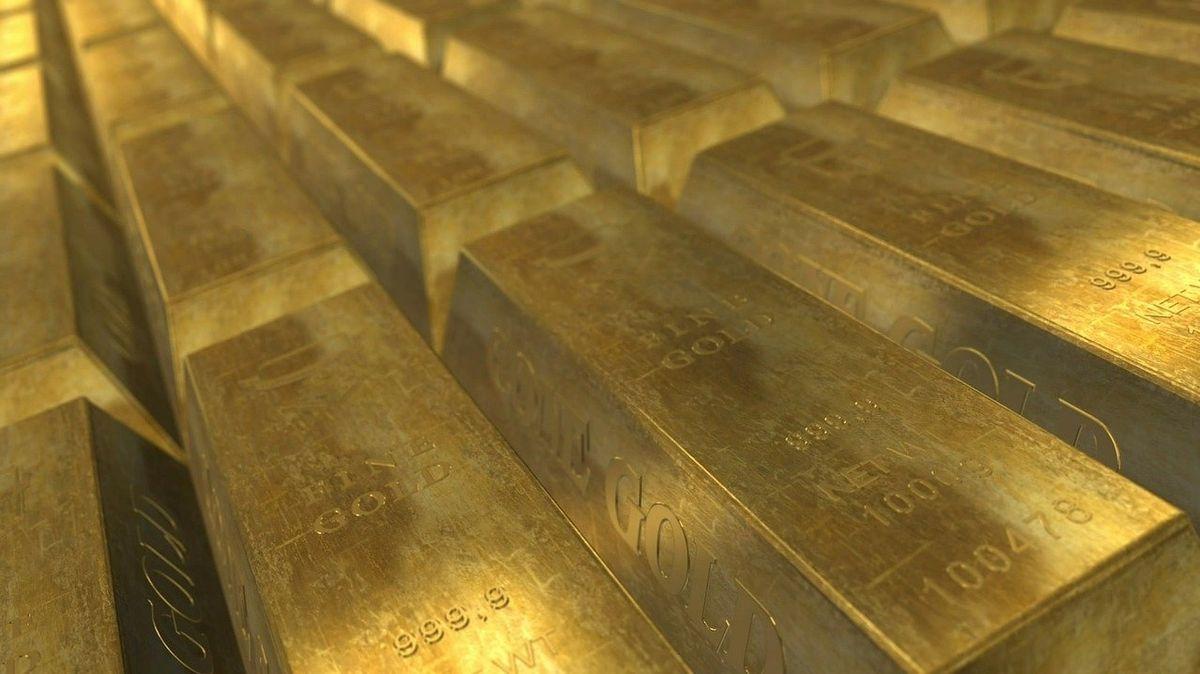 Investovat do zlata? Loňský výnos 25 % láká idrobné investory