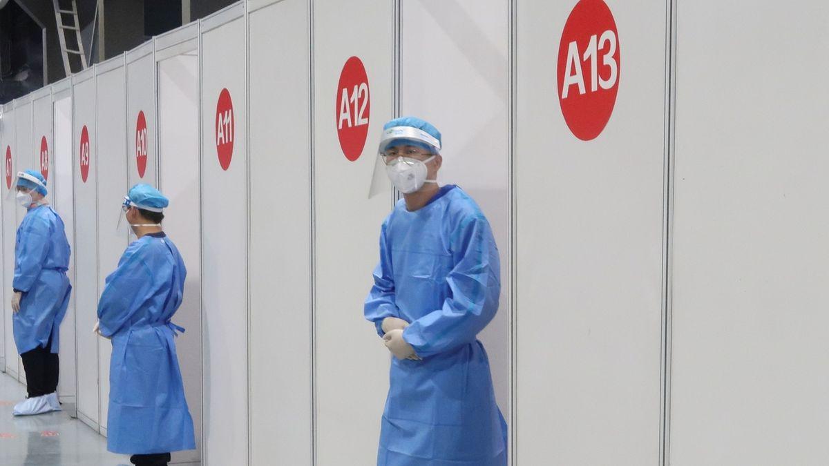 Koronavirus už ve světě usmrtil přes 3 miliony lidí
