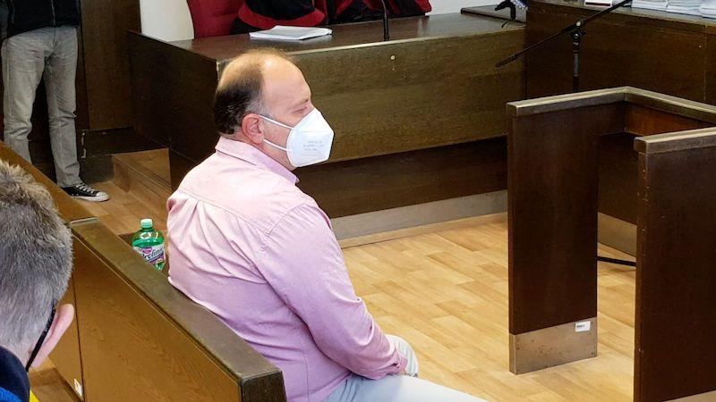 Šéf lánské lesní správy dostal tři roky natvrdo