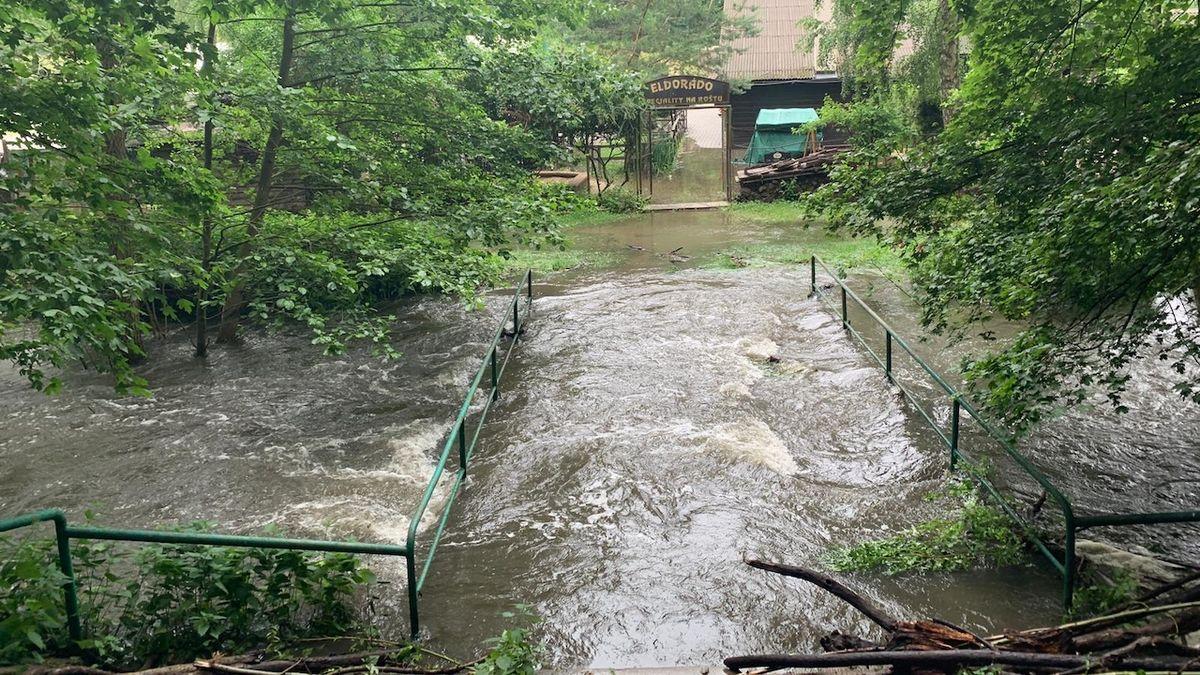 Nikde nepršelo, přesto restauraci na výletním místě u Brna zalila voda