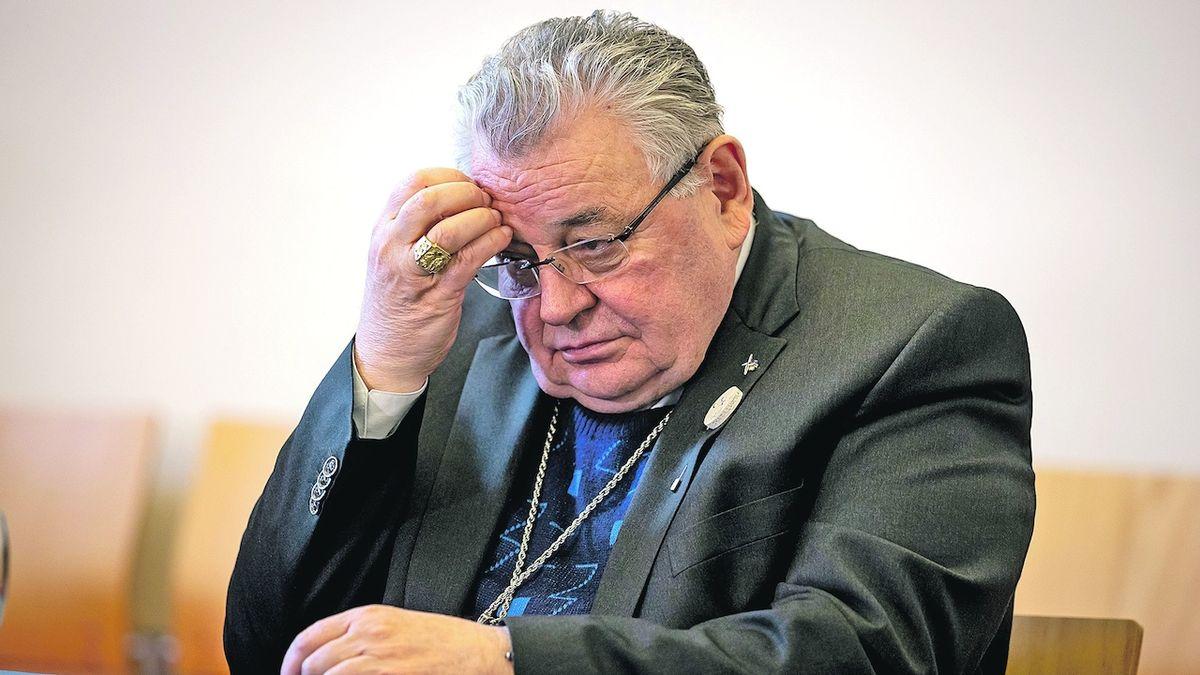 Do případu Dukovy nadace se vložil soud, Vatikán mlčí