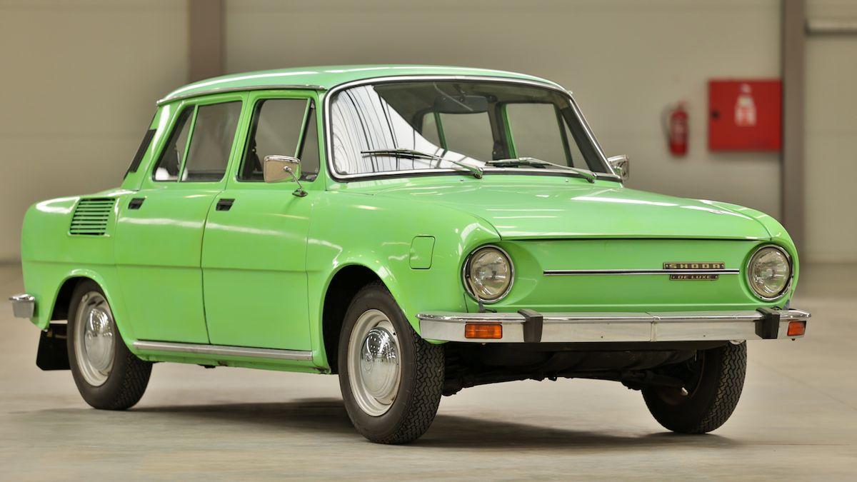 Na kolik dnes přijde Škoda 100? Cenu zachovalého kusu nevyrovná ani nový superb