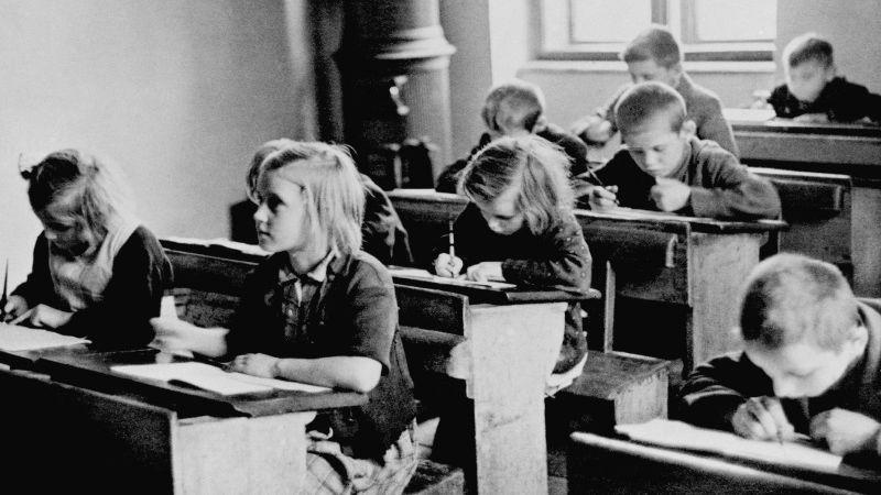UNICEF hledá děti z dobových fotografií z poválečného Československa
