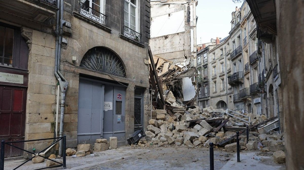 V centru Bordeaux se zřítily dvě budovy, tři zranění