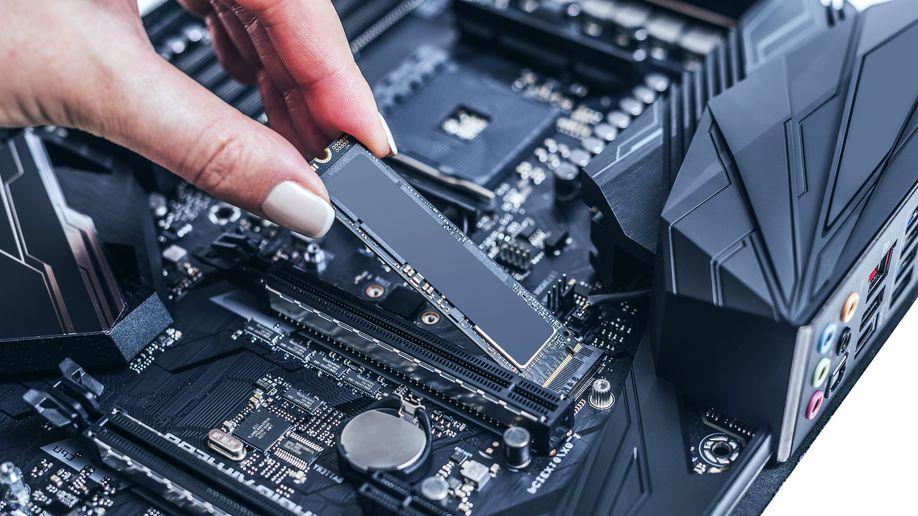 Těžaři už ve velkém skupují SSD. A bude hůř
