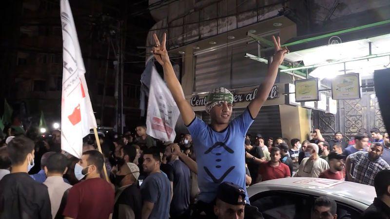 Začalo platit příměří mezi Izraelem a Hamásem. Lidé v Gaze slavili v ulicích