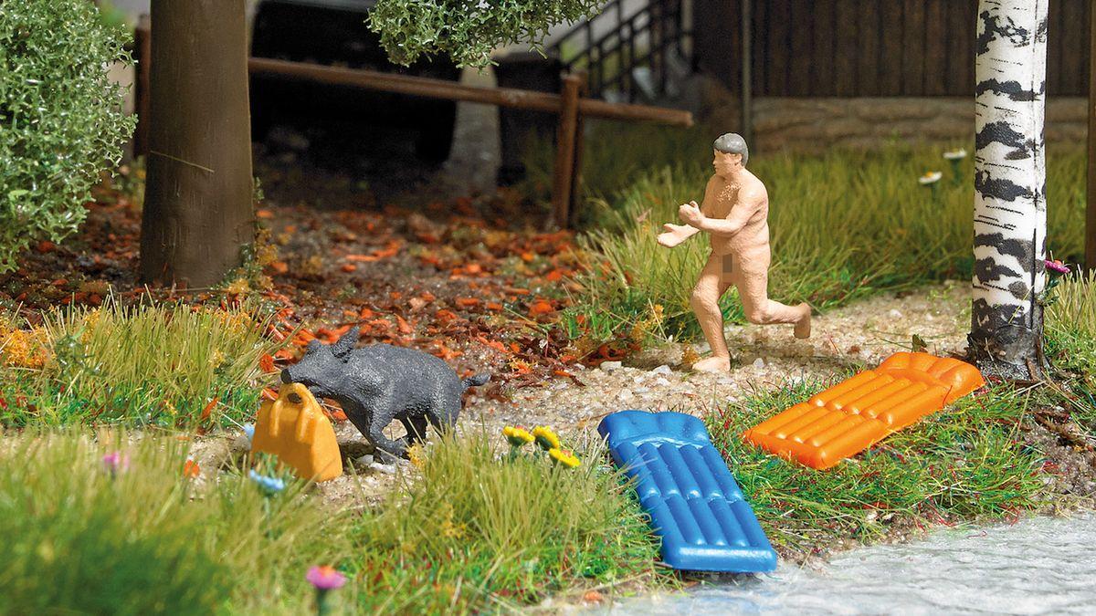 Německý nudista, který honil divočáka, se stal předlohou pro plastikový model