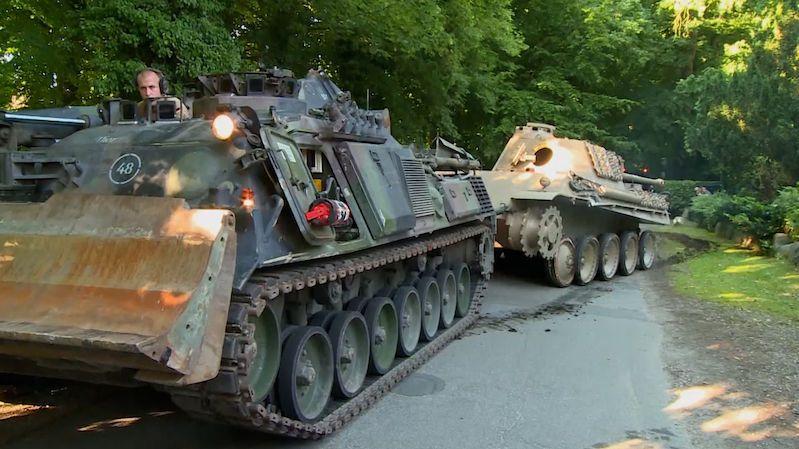 Důchodce ve vile skladoval 45tunový tank wehrmachtu