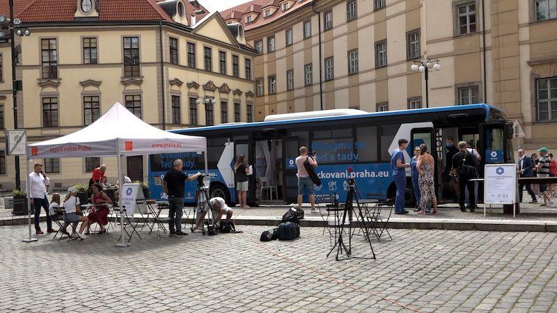 Po Praze bude jezdit očkovací autobus: žádná registrace a vakcína na přání