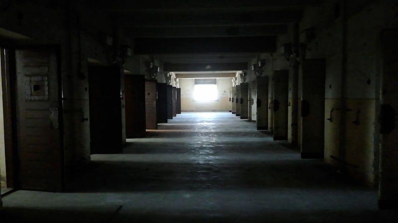 Do nechvalně proslulé věznice se lidé podívají mobilem