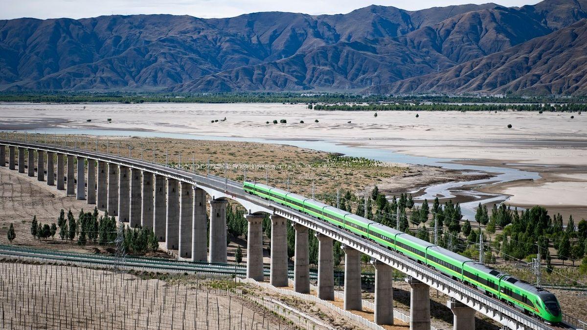 Po střeše světa se rozjel první vysokorychlostní vlak