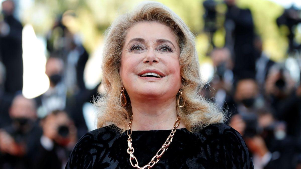 Do Cannes přijela ikona Catherine Deneuveová