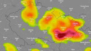 Hrozí velmi silné bouřky s přívaly deště a krupobitím. Meteorologové upřesnili varování