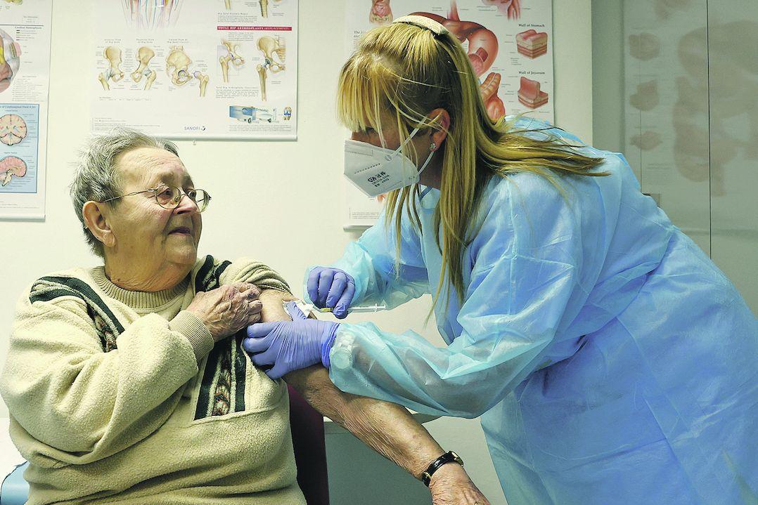 Očkovací týmy do domova seniorů v pražských Kobylisích dorazily už na začátku ledna.