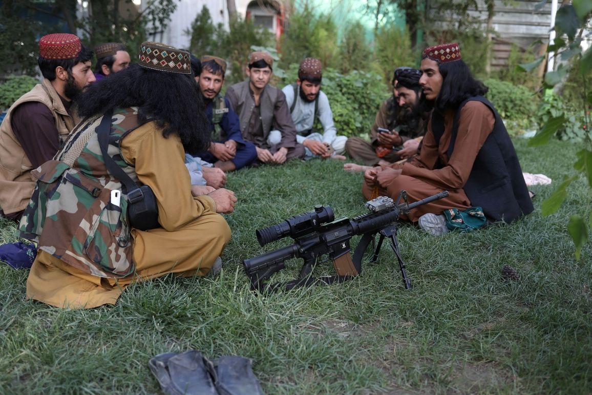 Bojovníci Tálibánu v Kábulu