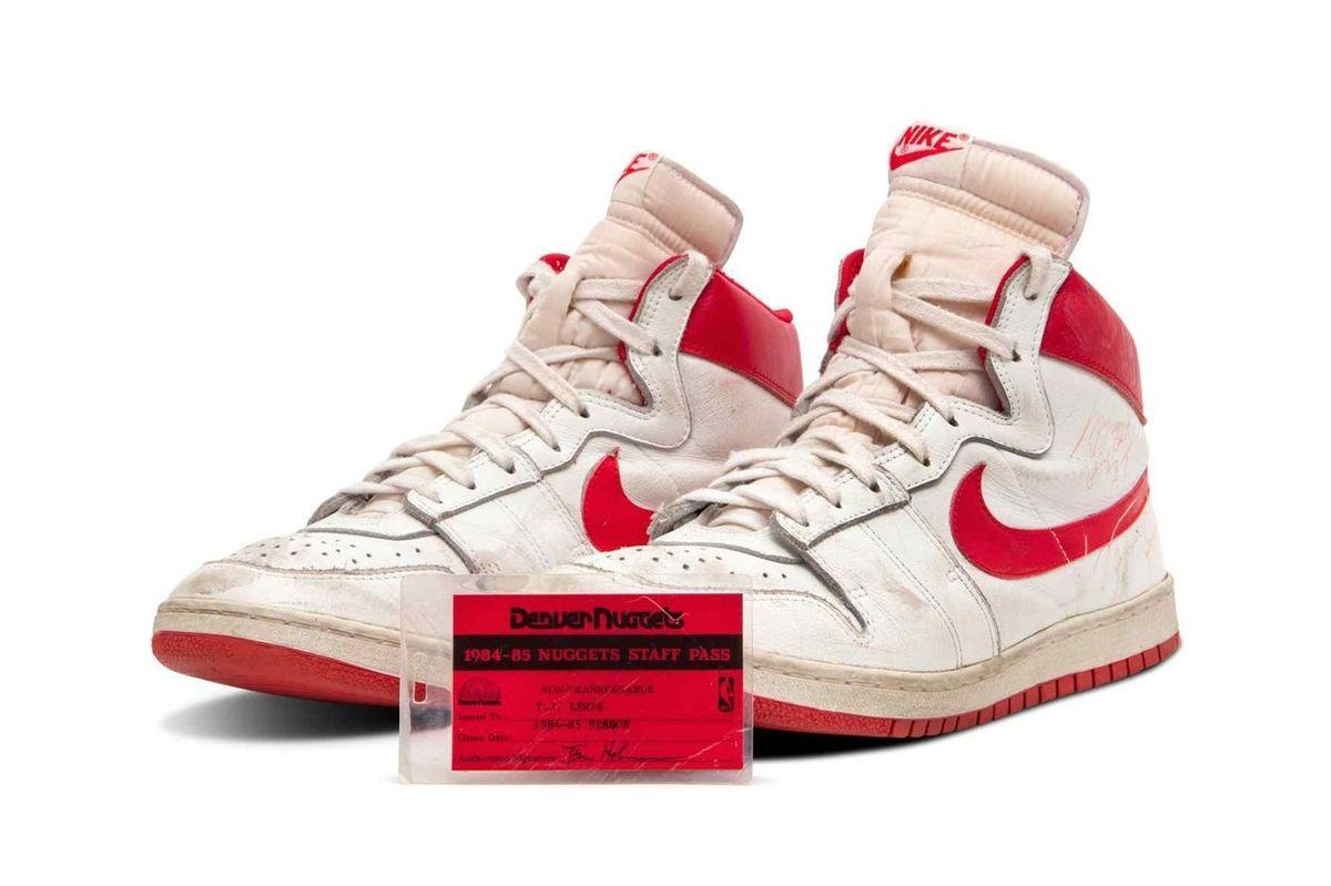 Boty se prodaly za rekordní částku.