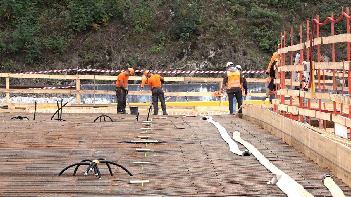 Stavba mostu v Kácově