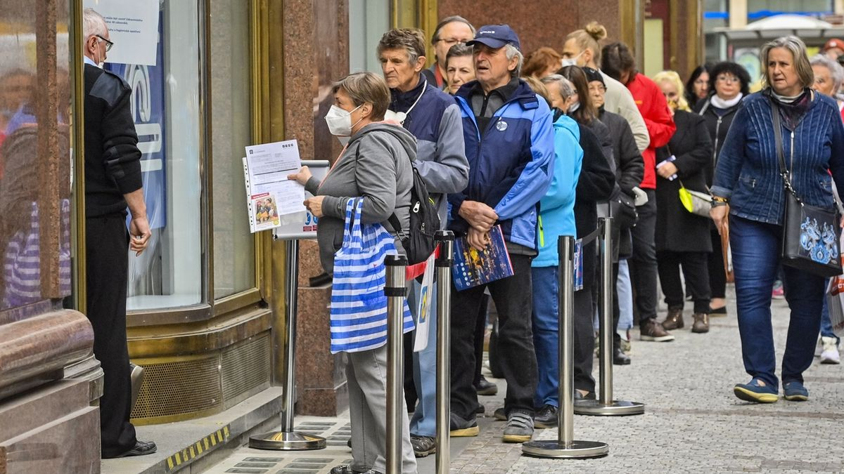 U prodejců energií se tvořily fronty zákazníků padlé Bohemia Energy