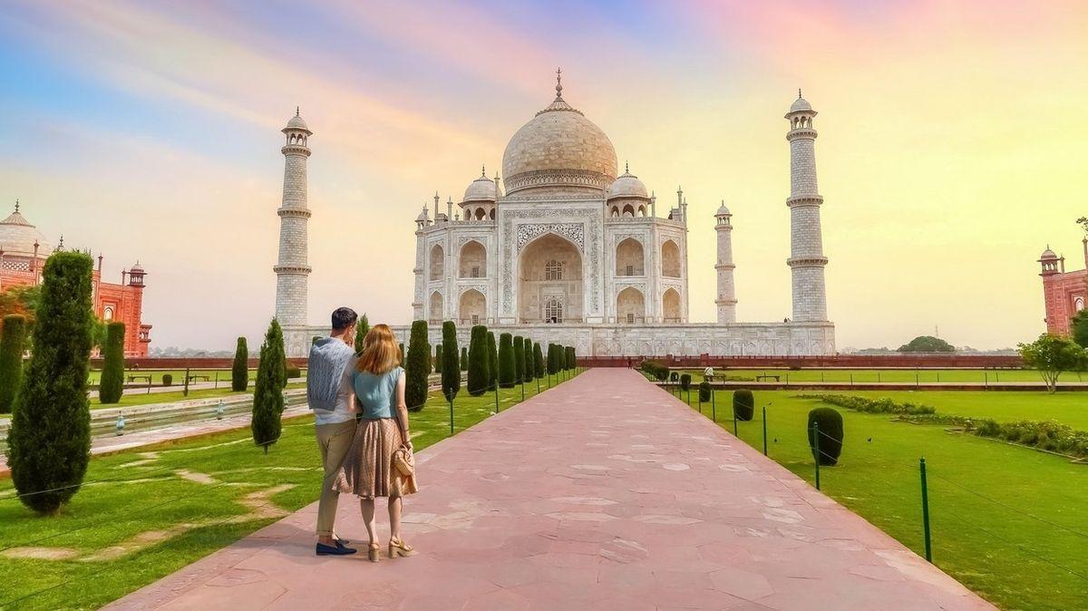 Tádž Mahal patří k symbolům Indie.