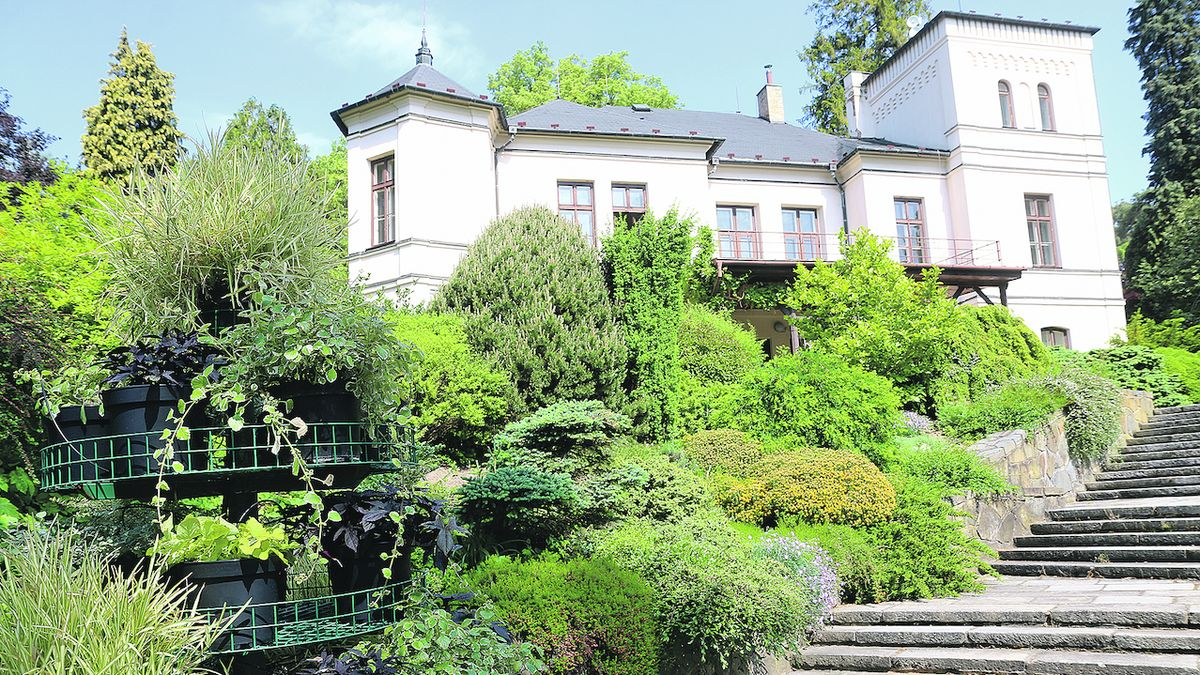Začala rekonstrukce zámku v arboretu Nový Dvůr