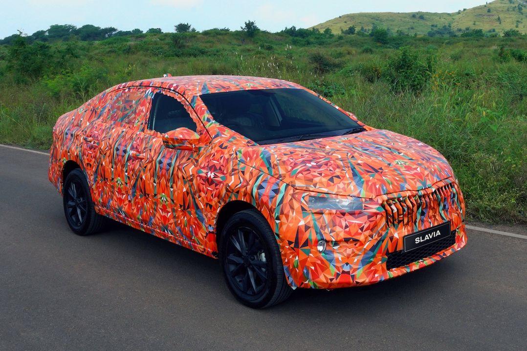 Indický sedan Škoda Slavia v maskování při finálních testech
