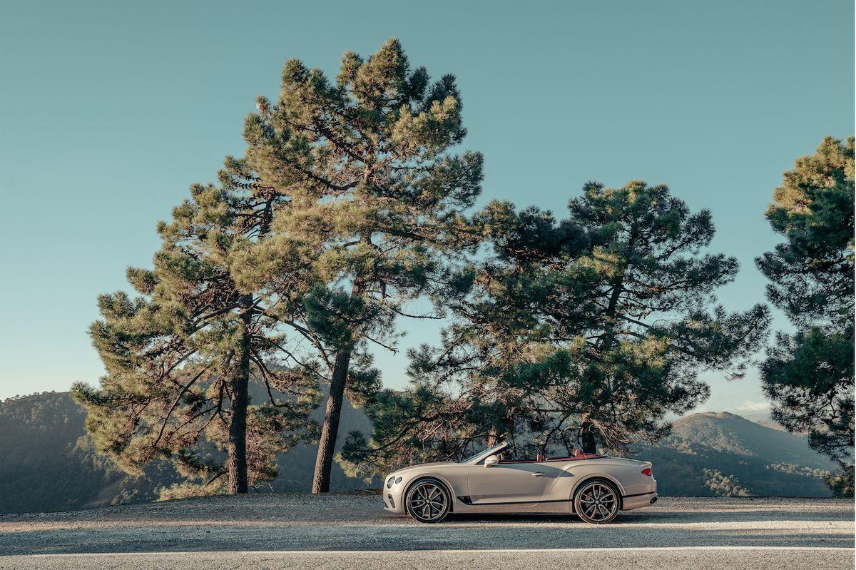 Bentley Continental GT Convertible v laku Dove Grey