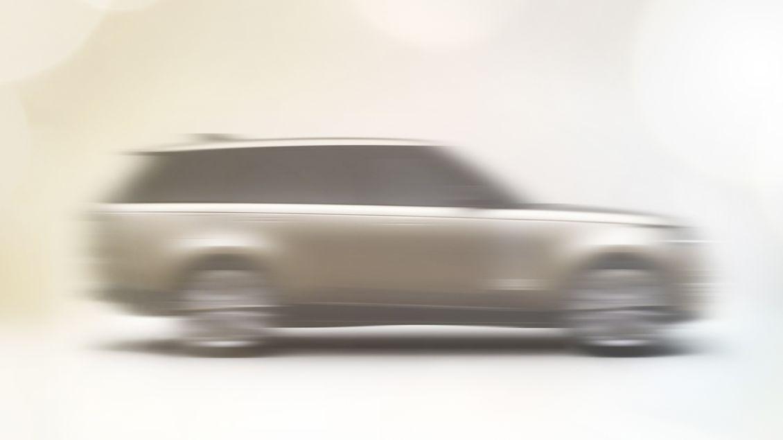 Nový Range Rover je za rohem, největší z britských SUV se ukazuje na prvních snímcích