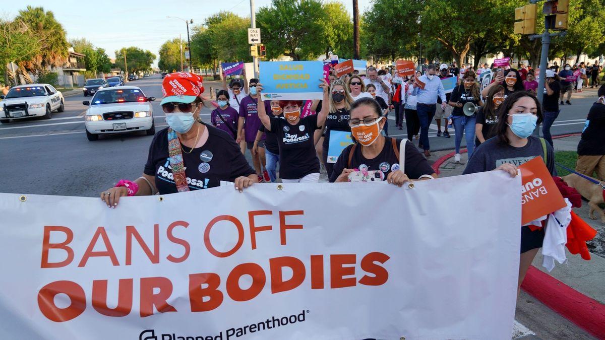 Texas může nadále zakazovat potraty, rozhodl soud