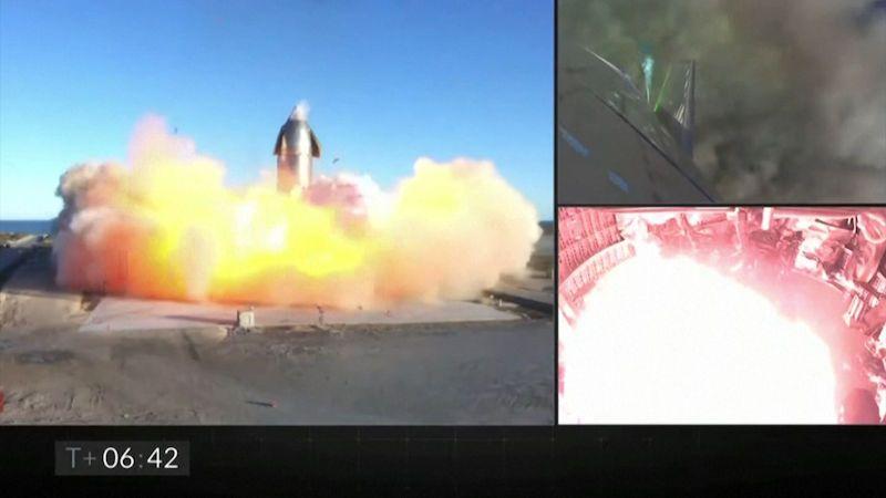 Prototyp rakety společnosti SpaceX explodoval při přistání